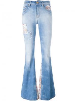 Расклешенные джинсы с вышивкой  Dont Cry Don't. Цвет: синий