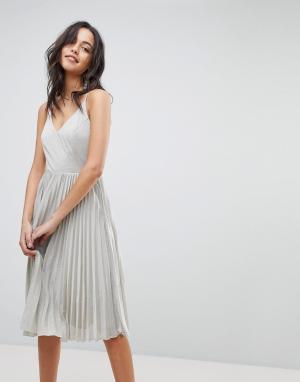 Adelyn Rae Платье с юбкой в складку Jolene. Цвет: серебряный