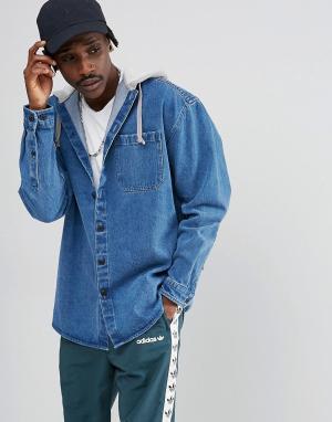ASOS Джинсовая oversize-рубашка с капюшоном. Цвет: синий