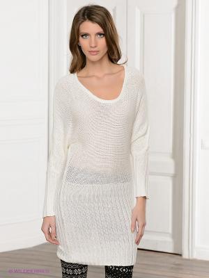 Платье Viaggio. Цвет: молочный