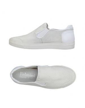 Низкие кеды и кроссовки FELMINI. Цвет: белый