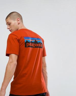 Patagonia Красная футболка с принтом на спине. Цвет: красный