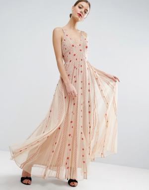 ASOS Приталенное платье макси из сетки в горошек со свободной юбкой. Цвет: бежевый