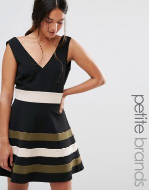 Paper Dolls Petite Платье для выпускного без рукавов с полосками на юбке Peti. Цвет: черный