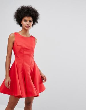 Chi London Приталенное платье мини со свободной юбкой. Цвет: красный