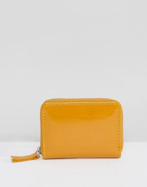 New Look Лакированный кошелек для мелочи с молнией. Цвет: желтый