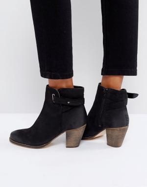 Carvela Кожаные ботинки в стиле вестерн на среднем каблуке. Цвет: черный