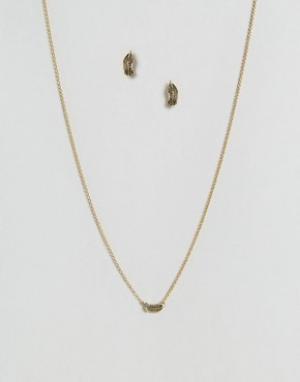 Kitsch Набор из серег и ожерелья Be Free. Цвет: золотой