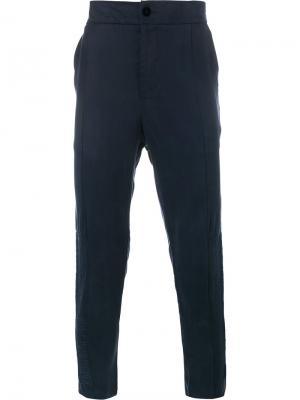 Зауженные книзу брюки Lot78. Цвет: синий