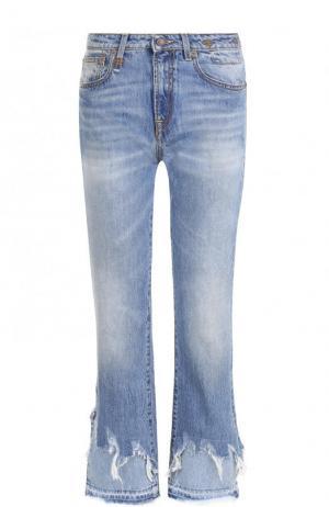 Укороченные расклешенные джинсы с потертостями R13. Цвет: голубой