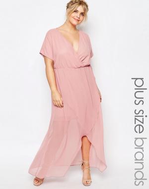 Truly You Платье макси с запахом и рюшами. Цвет: розовый