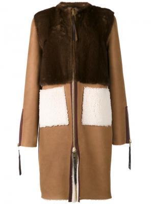 Пальто с панелью из норки Oscar de la Renta. Цвет: коричневый
