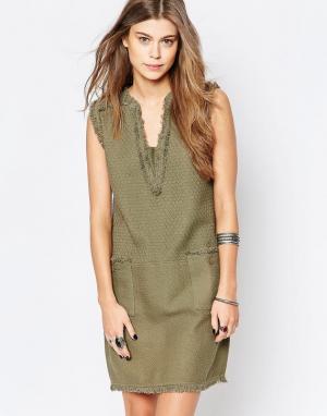 Deby Debo Цельнокройное платье с бахромой Faille. Цвет: зеленый