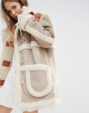 Moon River Куртка из искусственной замши и овечьей шерсти Rive. Цвет: бежевый