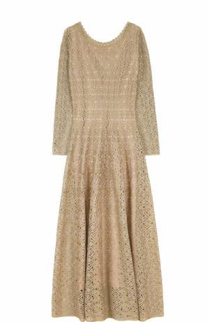 Приталенное вязаное платье-макси с длинным рукавом Alaia. Цвет: золотой