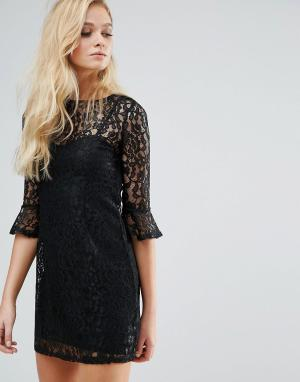 Lipsy Кружевное платье с рукавами клеш. Цвет: черный