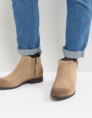 ASOS Песочные ботинки челси из искусственной замши с молниями. Цвет: светло-бежевый
