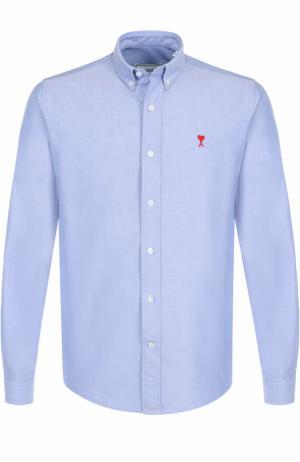 Хлопковая рубашка с воротником button down Ami. Цвет: голубой