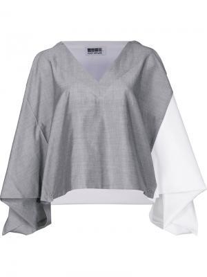Укороченная блузка дизайна колор-блок 132 5. Issey Miyake. Цвет: серый