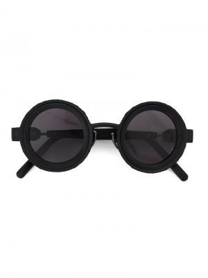 Солнцезащитные очки в круглой оправе Kuboraum. Цвет: чёрный