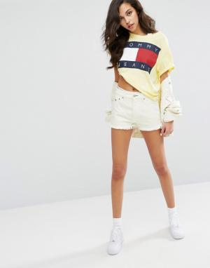 Tommy Jeans Шорты с завышенной талией. Цвет: желтый