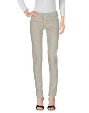 Джинсовые брюки FRED PERRY. Цвет: серый
