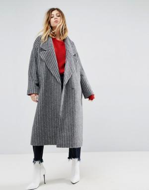 ASOS Пальто в полоску с большим воротником. Цвет: серый