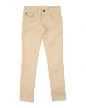 Джинсовые брюки DIESEL. Цвет: светло-желтый