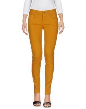 Джинсовые брюки VICOLO. Цвет: охра