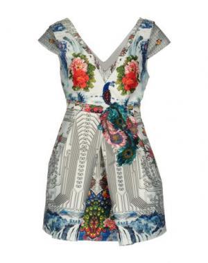 Короткое платье PICCIONE•PICCIONE. Цвет: белый