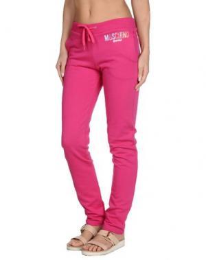 Пляжные брюки и шорты MOSCHINO SWIM. Цвет: фуксия