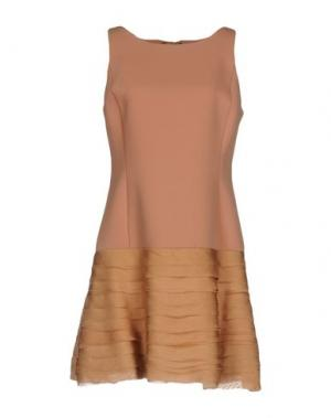 Короткое платье LIST. Цвет: верблюжий