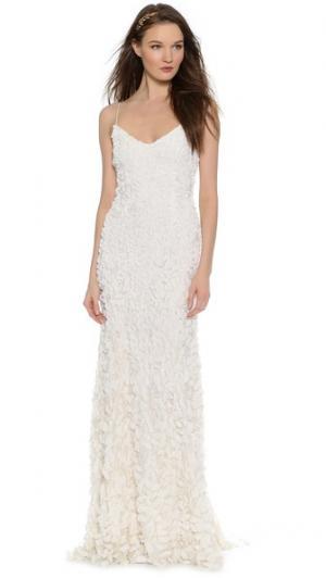 Sleeveless Petal Gown Theia. Цвет: золотой