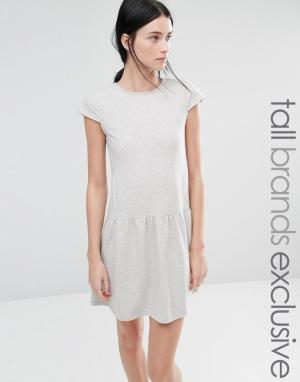 One Day Tall Трикотажное платье с баской по краю. Цвет: серый