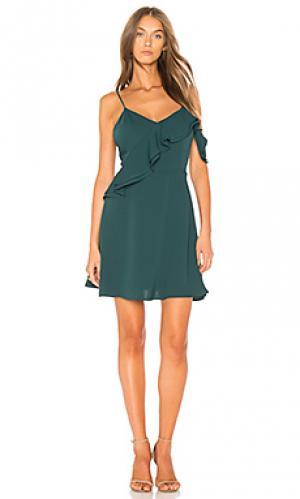 Приталенное расклешенное платье с двойными рюшами J.O.A.. Цвет: зеленый