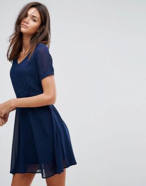 Pussycat London Короткое приталенное платье в стиле колор блок. Цвет: темно-синий
