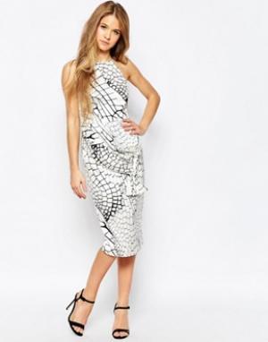 Talulah Платье с крокодиловым рисунком и завязкой. Цвет: белый