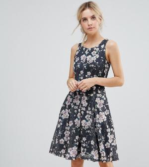 Uttam Boutique Petite Приталенное платье с цветочным принтом. Цвет: черный