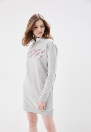 Платье Tommy Jeans. Цвет: серый