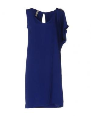 Короткое платье SOUVENIR. Цвет: ярко-синий