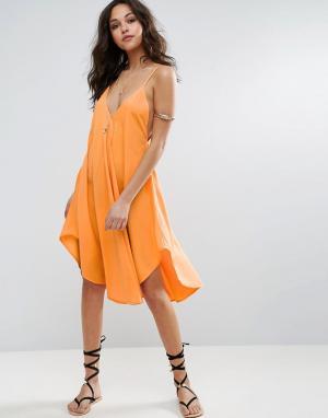 ASOS Пляжное платье на бретельках с асимметричным подолом. Цвет: оранжевый
