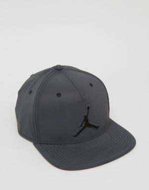 Jordan Черная бейсболка в стиле ретро Nike 5 801773-010. Цвет: черный