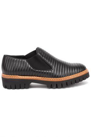 Туфли закрытые Pertini. Цвет: черный