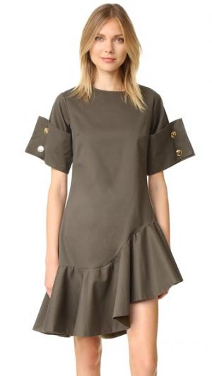 Платье с оборками Viva Aviva. Цвет: зеленый