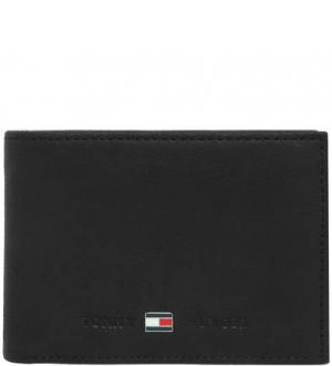 Замшевое портмоне черного цвета Tommy Hilfiger. Цвет: черный