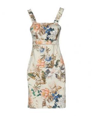 Короткое платье GIORGIA & JOHNS. Цвет: слоновая кость