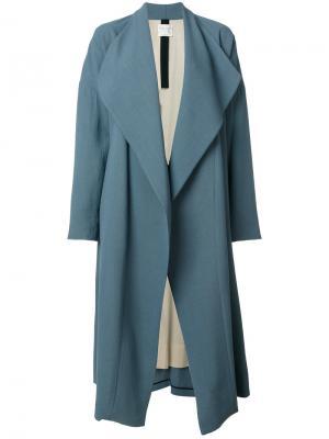 Пальто с воротником-шалькой Forte. Цвет: синий