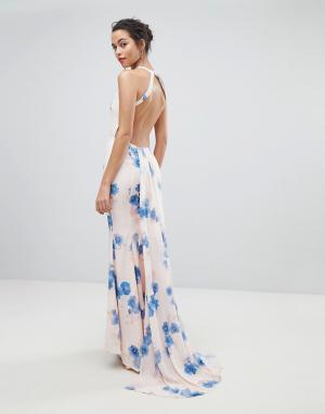 Jarlo Платье макси с цветочным принтом и открытой спиной. Цвет: мульти