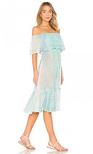 Платье с открытыми плечами juliet dunn. Цвет: синий