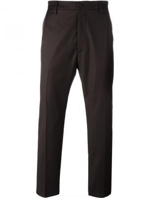 Брюки со складками спереди Pence. Цвет: коричневый